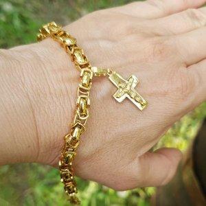 Красива стоманена гривна с висулка нежен кръст с Исус на цена 22 лв, поръчай на тел.0894 551005 или на лично съобщение #гривни#бижута#бижутазахир #стоманенибижута #мода2019#бижу#кръст